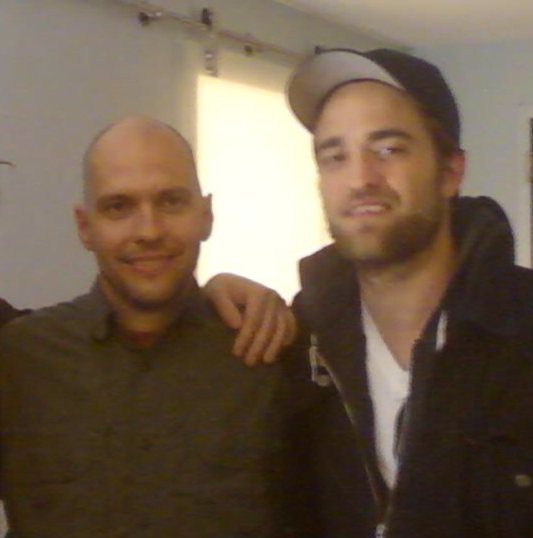 Eric Maddox fala sobre o filme 'Mission: Blacklist' e sobre Robert Pattinson