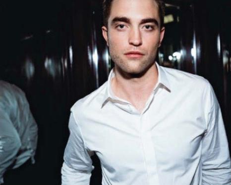 Robert Pattinson revela qual palavra ele mais gosta de ouvir à revista Faces da Suíça