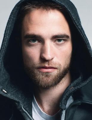 Robert Pattinson diz que sua falta de confiança em si mesmo é a única coisa interessante que existe nele