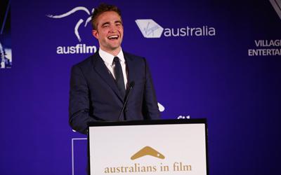 Robert Pattinson no  Australians in Film Awards 2013; fotos, vídeos e informações