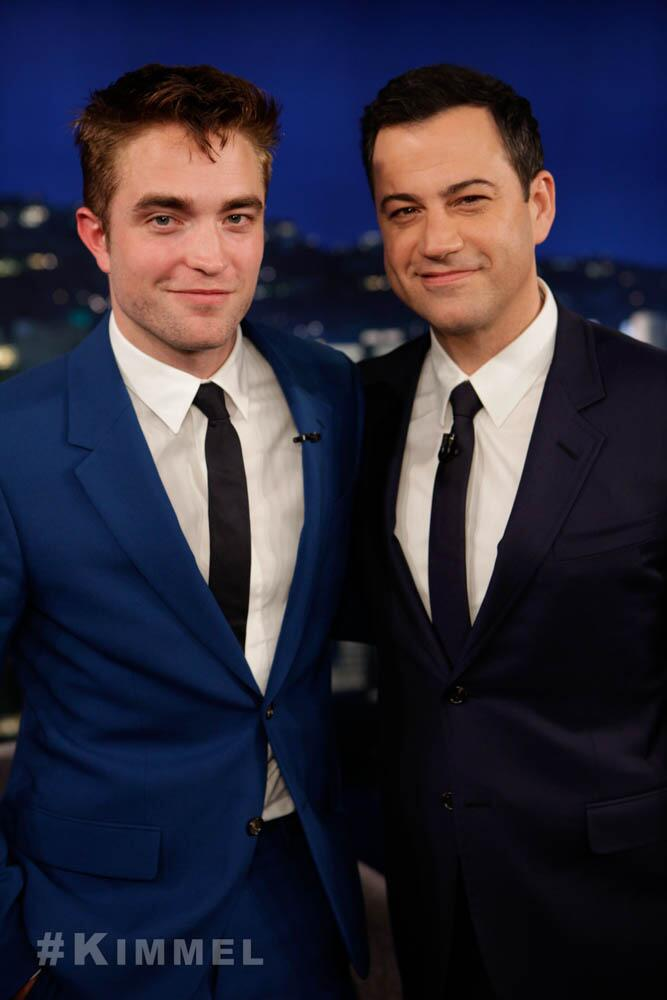 Fotos e Vídeo da entrevista de Robert Pattinson no Jimmy Kimmel Live