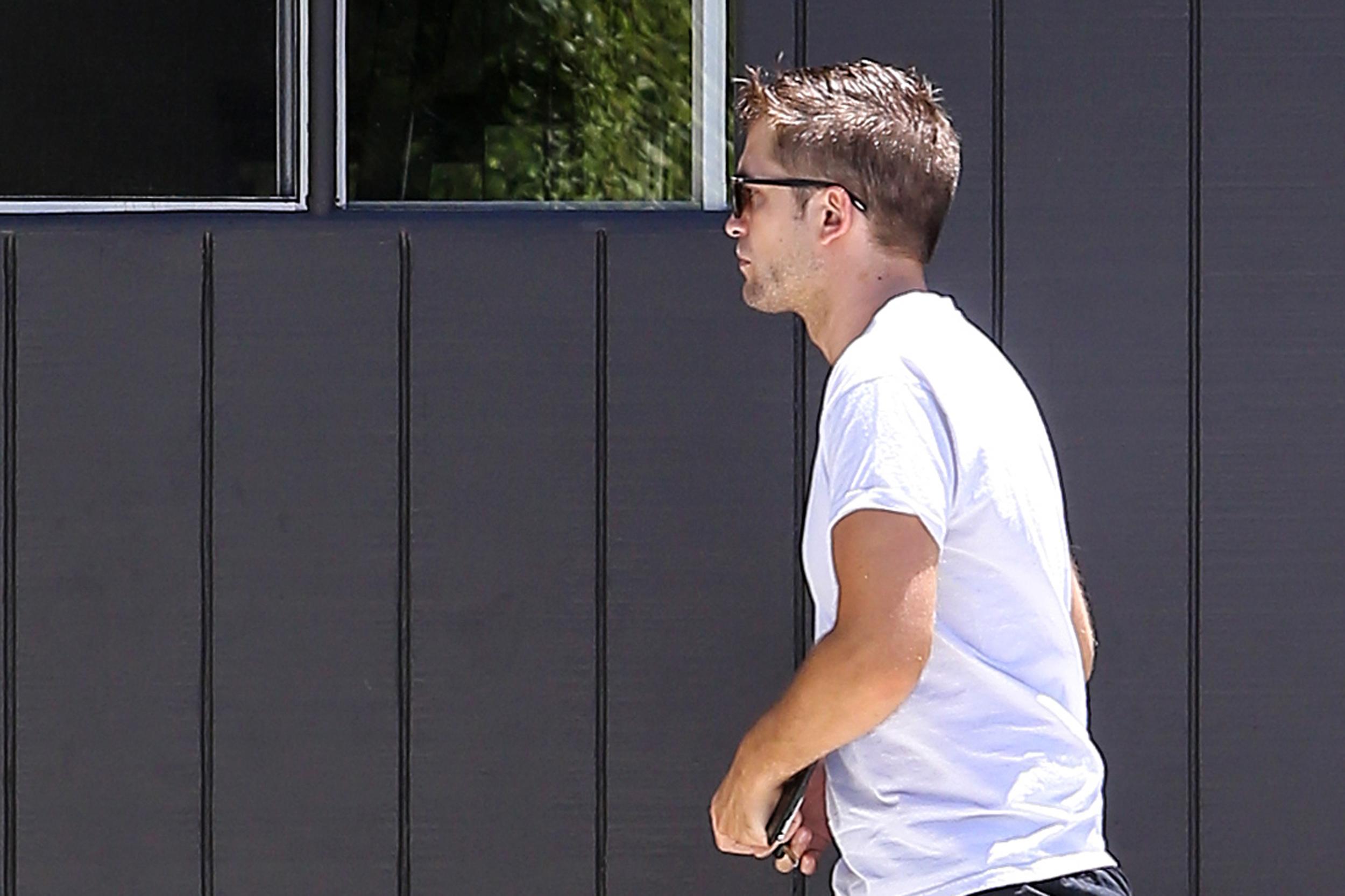 Fotos de Robert Pattinson em Los Angeles na semana passada