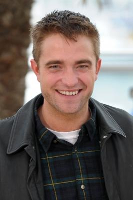 Vanity Fair: Robert Pattinson tem um conselho para crianças estrelas malcriadas