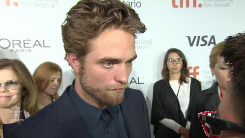 Vídeo legendado: Robert Pattinson em entrevista no tapete vermelho do TIFF 2014