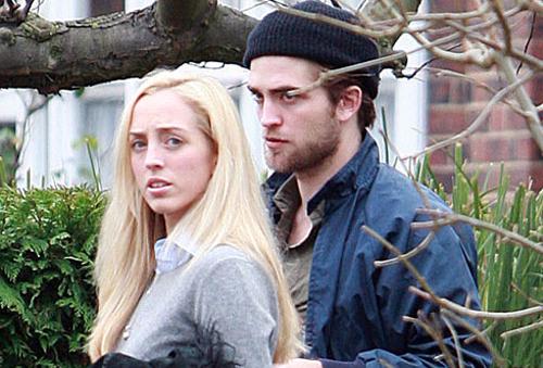 Lizzy Pattinson fala sobre o apoio e a fama de Robert