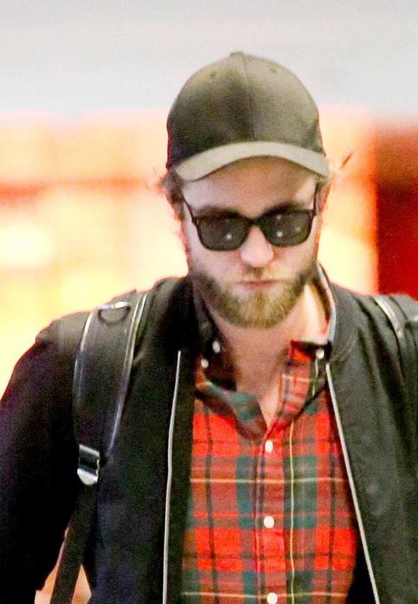 Fotos de Robert no aeroporto de LAX (03/10)