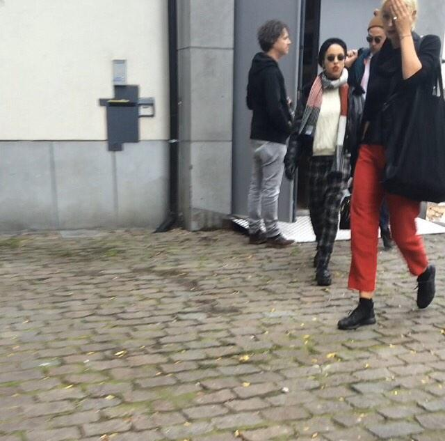 Fotos de Robert e FKA Twigs em Bruxelas