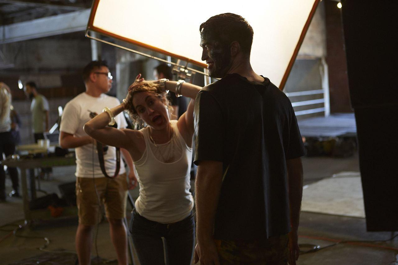 Foto dos bastidores de Robert para o photoshoot da Premiere