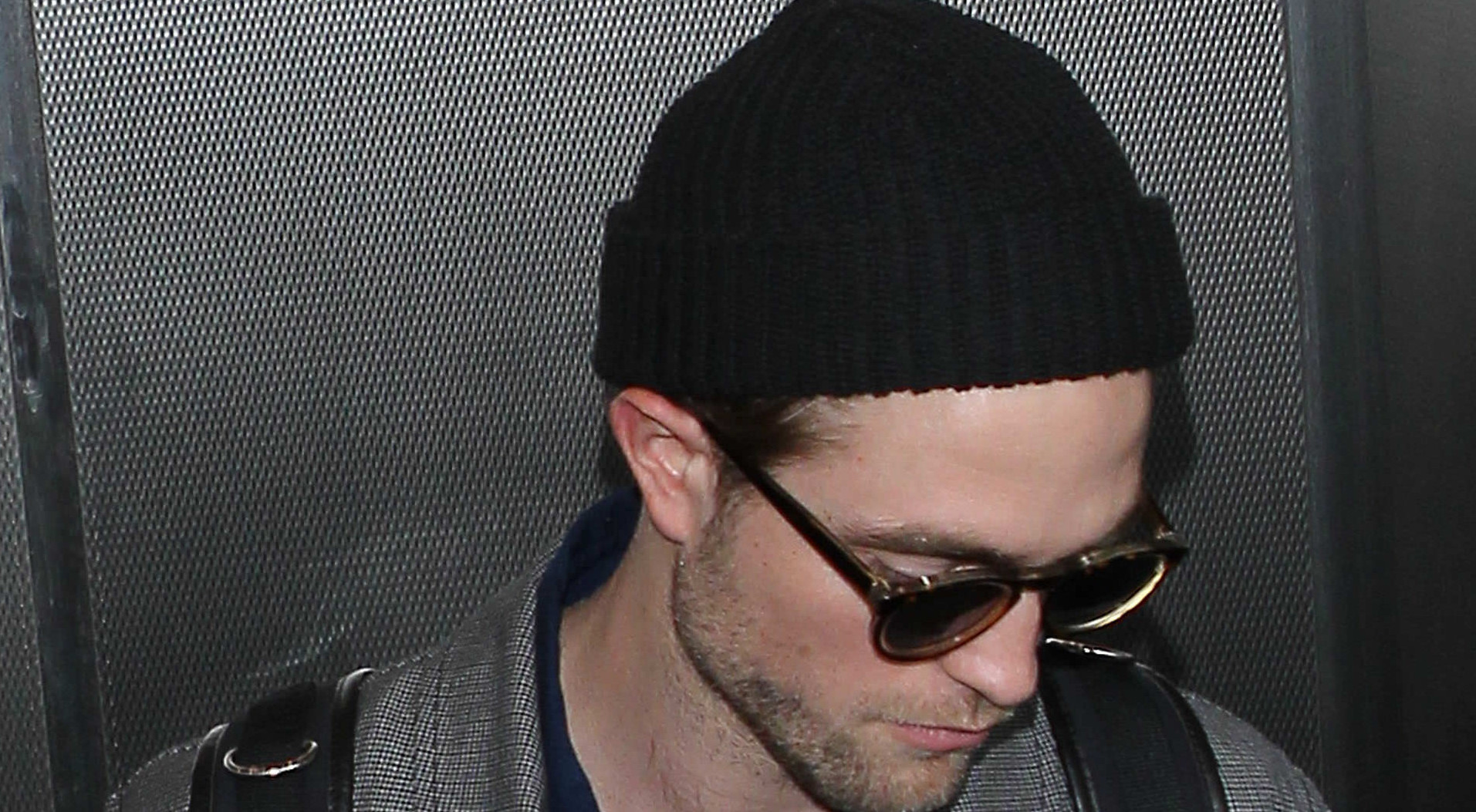Fotos de Robert no aeroporto de Los Angeles (24/02)