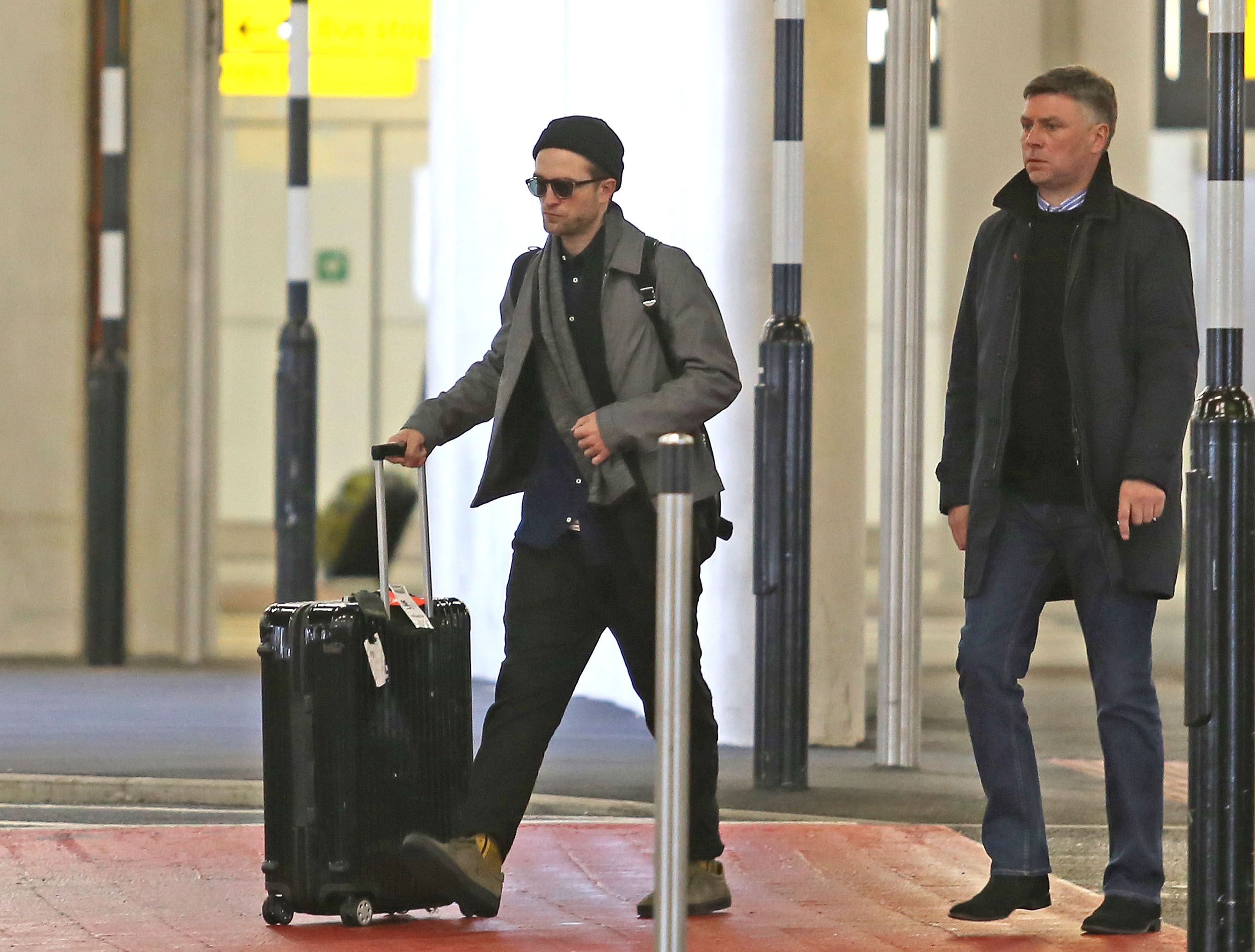 Fotos de Robert no aeroporto de Londres (25.02)