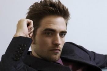 """""""A indústria do cinema precisa urgentemente de mais atores como Robert Pattinson"""" diz HoyCinema sobre Robert"""