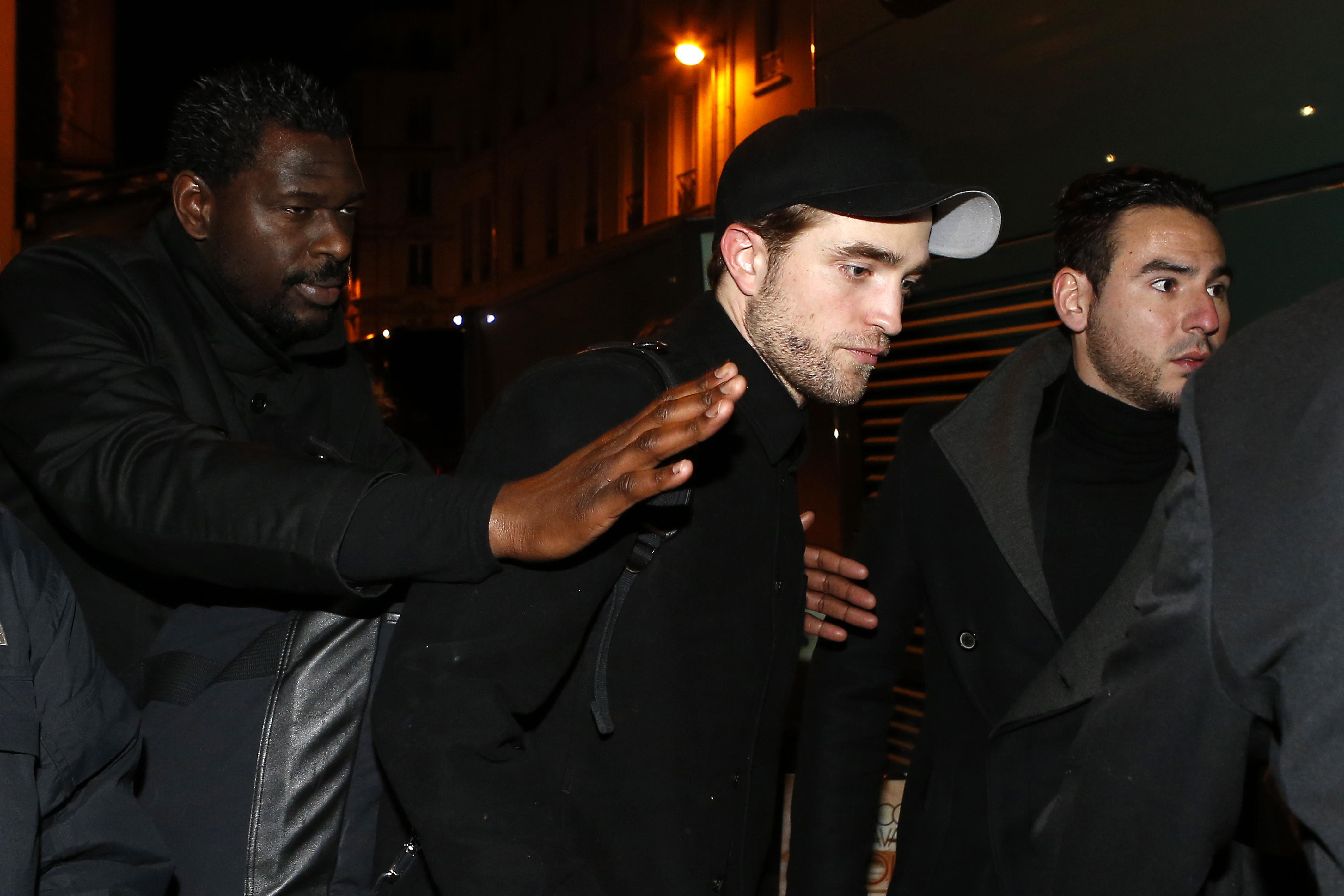 Fotos e vídeos de Robert em Paris (04/03)