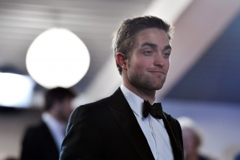 Robert Pattinson entre as celebridades que irão participar da inauguração do Red Nose Day nos EUA!