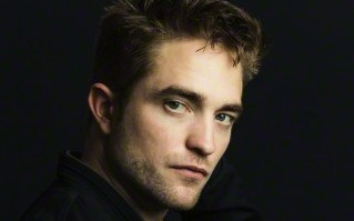 Novo portrait da promo de The Rover em Los Angeles