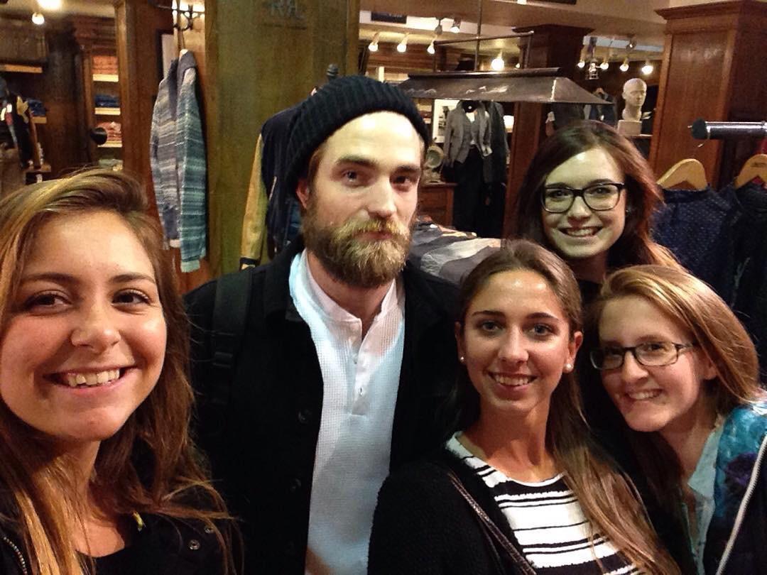 Novas fotos de Robert na Europa (11, 14 e 15/09)