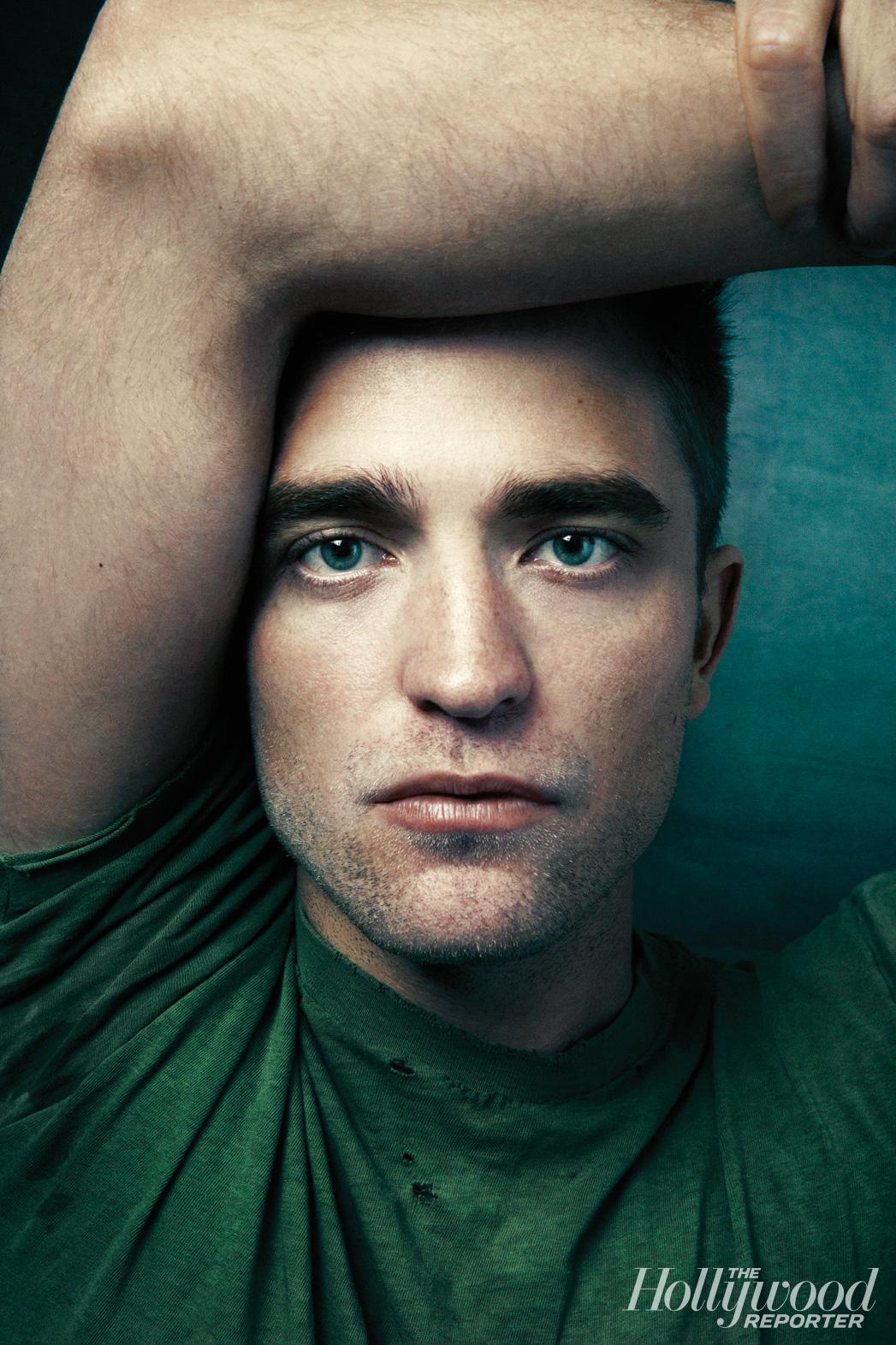 """""""Praticamente qualquer diretor gostaria de Pattinson em seu filme"""" – The Observer"""