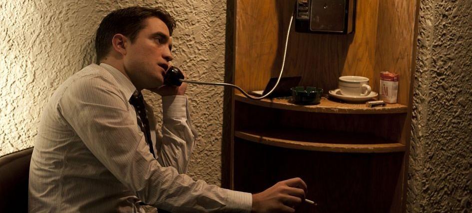 Elle Italy e Szene Hamburg entrevistam Robert Pattinson