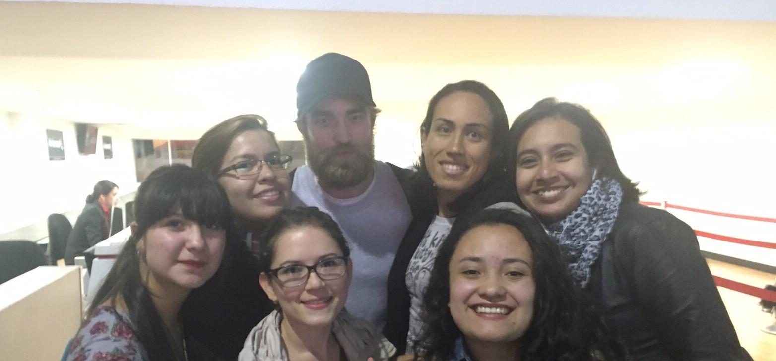 Fotos de Robert desembarcando na Colômbia (01/10)