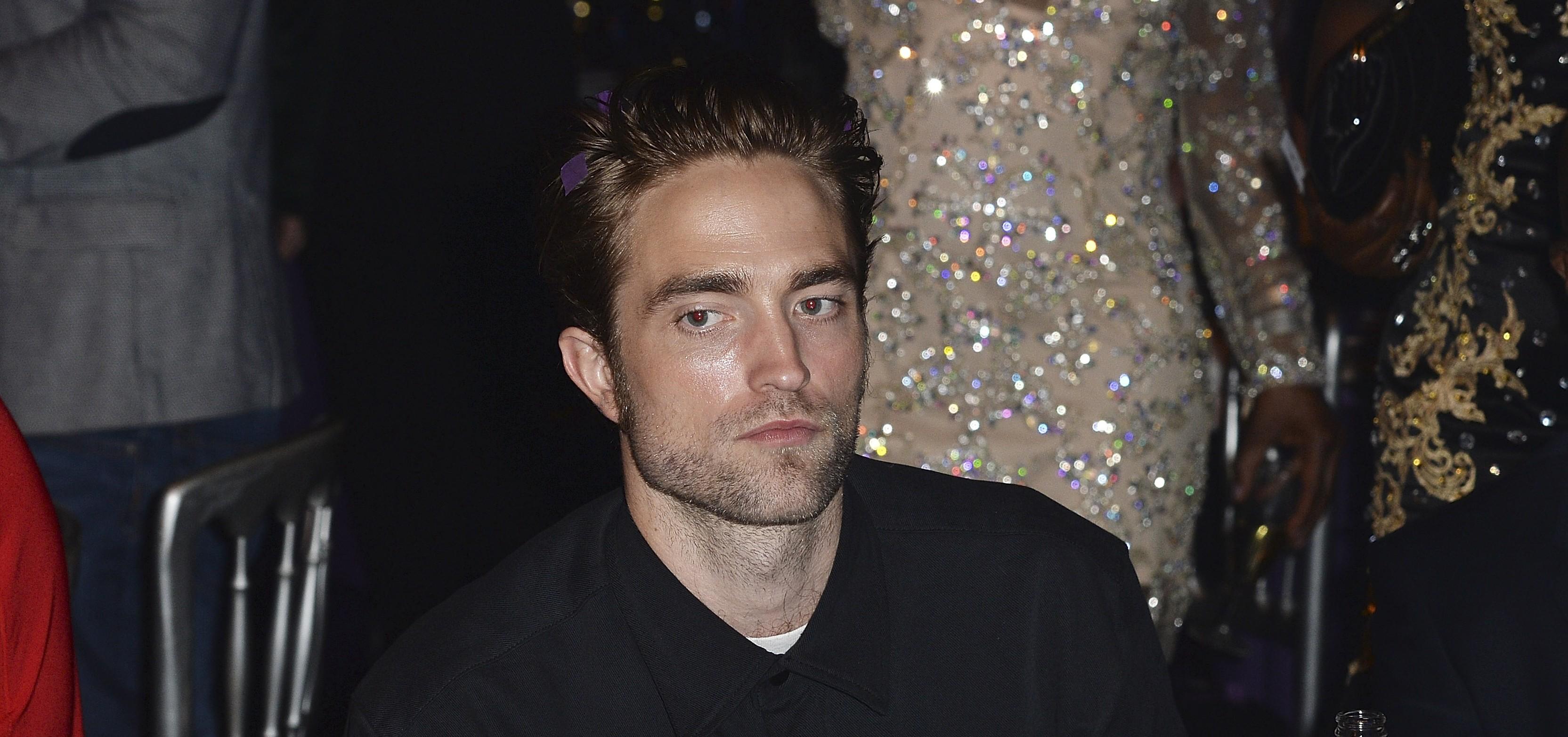 Robert comparece ao MOBO Awards em Leeds (04/11)