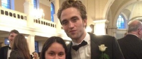 FOTO: Robert Pattinson no casamento de Lizzy Pattinson (02/01)
