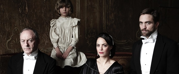 LEGENDADO: Cena de The Childhood Of A Leader com Robert Pattinson