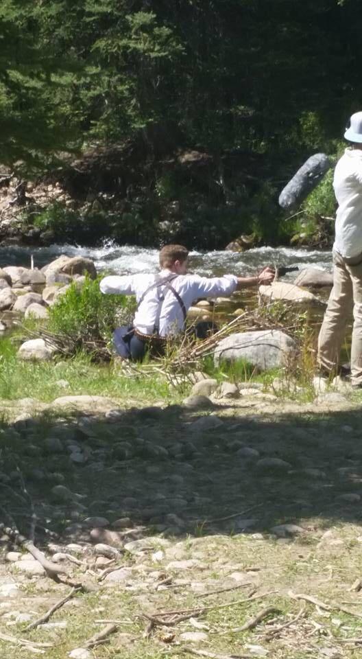 "Primeira imagem de Robert filmando ""Damsel"""