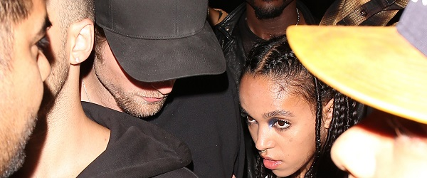 FOTOS: Robert e FKA Twigs saindo do The Nice Guy em West Hollywood (29/09)