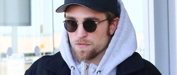 Fotos: Robert Pattinson desembarcando em Nova York