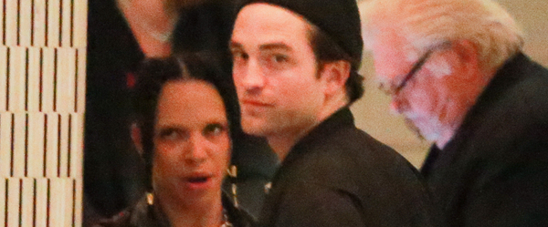 Fotos de Robert Pattinson com FKA Twigs em Los Angeles (19/11)