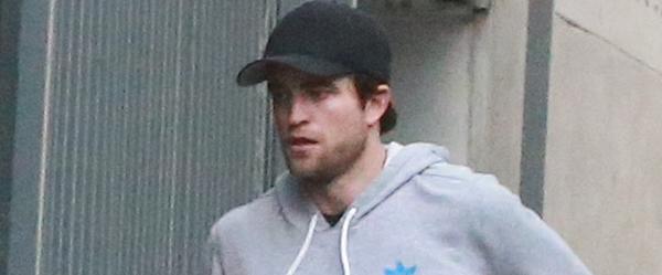 Fotos de Robert Pattinson em Los Angeles (28/11)