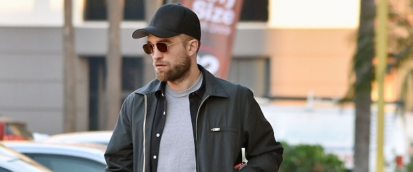 FOTOS: Robert andando por Hollywood (06/12)