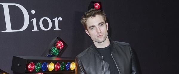 Dior Fashion Show: Robert Pattinson comparece ao desfile da marca que aconteceu em Paris, confira: