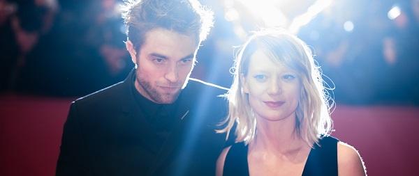 BERLINALE 2018: Robert Pattinson e elenco promovendo Damsel, confira fotos e videos
