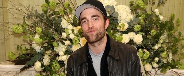 FOTOS: Robert Pattinson comparece a festa da Vogue em Londres (18/02)