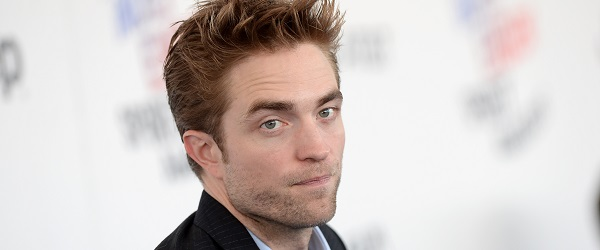 Robert Pattinson comparece ao 33rd Film Independent Spirit Awards
