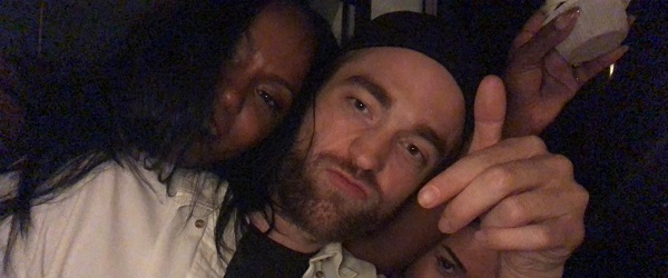 FOTOS: Robert Pattinson na festa de aniversário de Ciarra Pardo (23/03)