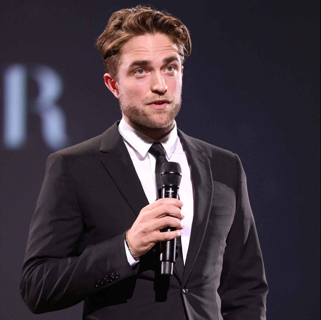 Fotos de Robert Pattinson no Fashion Awards