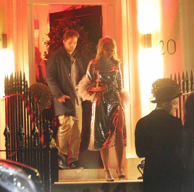 FOTOS: Robert e Suki em festa de Natal