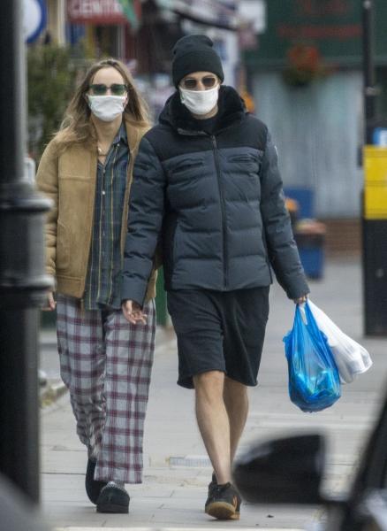 FOTOS: Robert e Suki em Londres (13/05)
