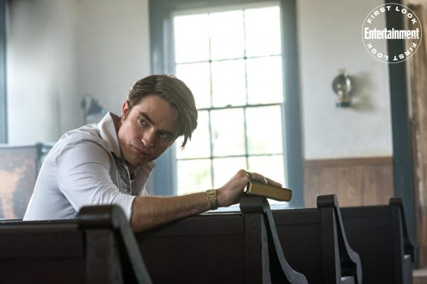 "Informações e still de Robert Pattinson em ""The Devil All the Time"""
