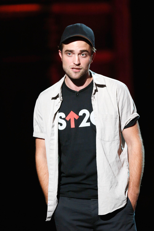 Grazia Daily inclui Robert na lista das celebridades que fazem o bem
