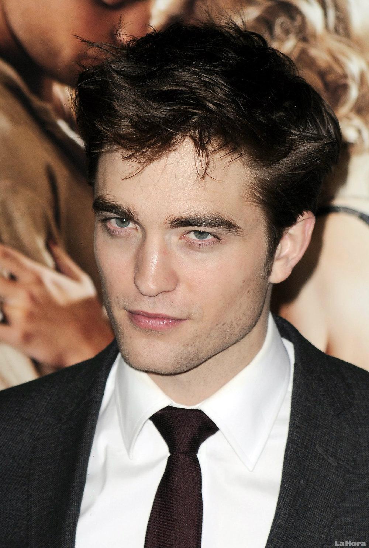 Robert em 1º lugar na lista dos mais bem vestidos pela revista Glamour Britânica