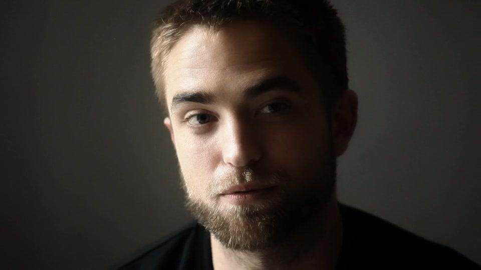Vídeo legendado: Robert Pattinson em entrevista oficial para Dior Homme