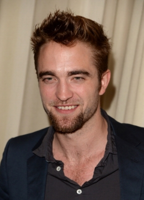 Fotos e Vídeos de Robert no 'Go Go Gala' dia 14/11 em Los Angeles
