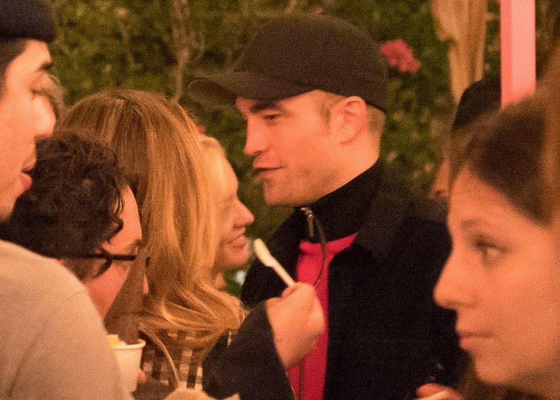 Fotos: Robert Pattinson na festa de lançamento da coleção de Suki Waterhouse